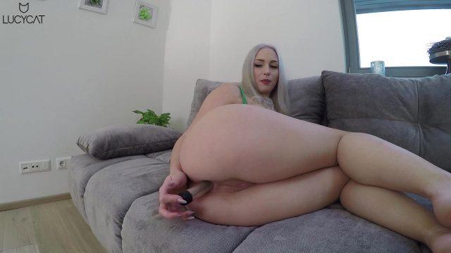 Lucy Cat Anal- und Vaginalsex